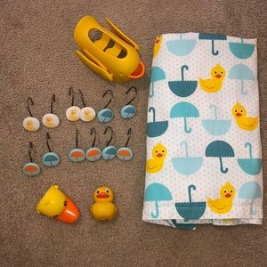 Kids rubber ducky bathroom set